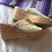 65d3e8011ea8 Mila Paoli Sandals