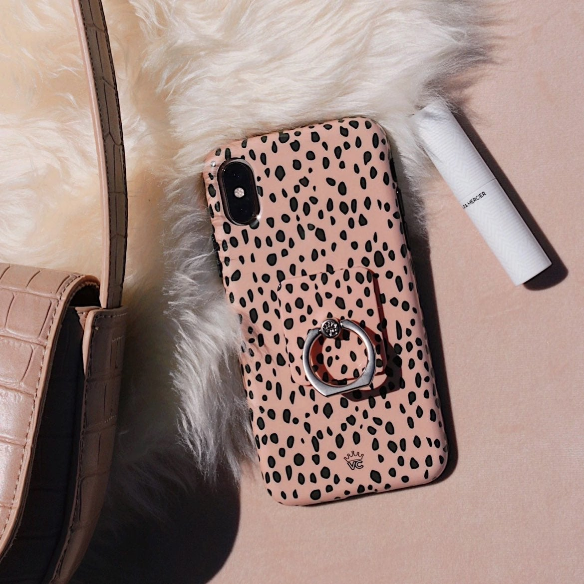 Velvet Apple 12 Pro Cheetah Phone Case