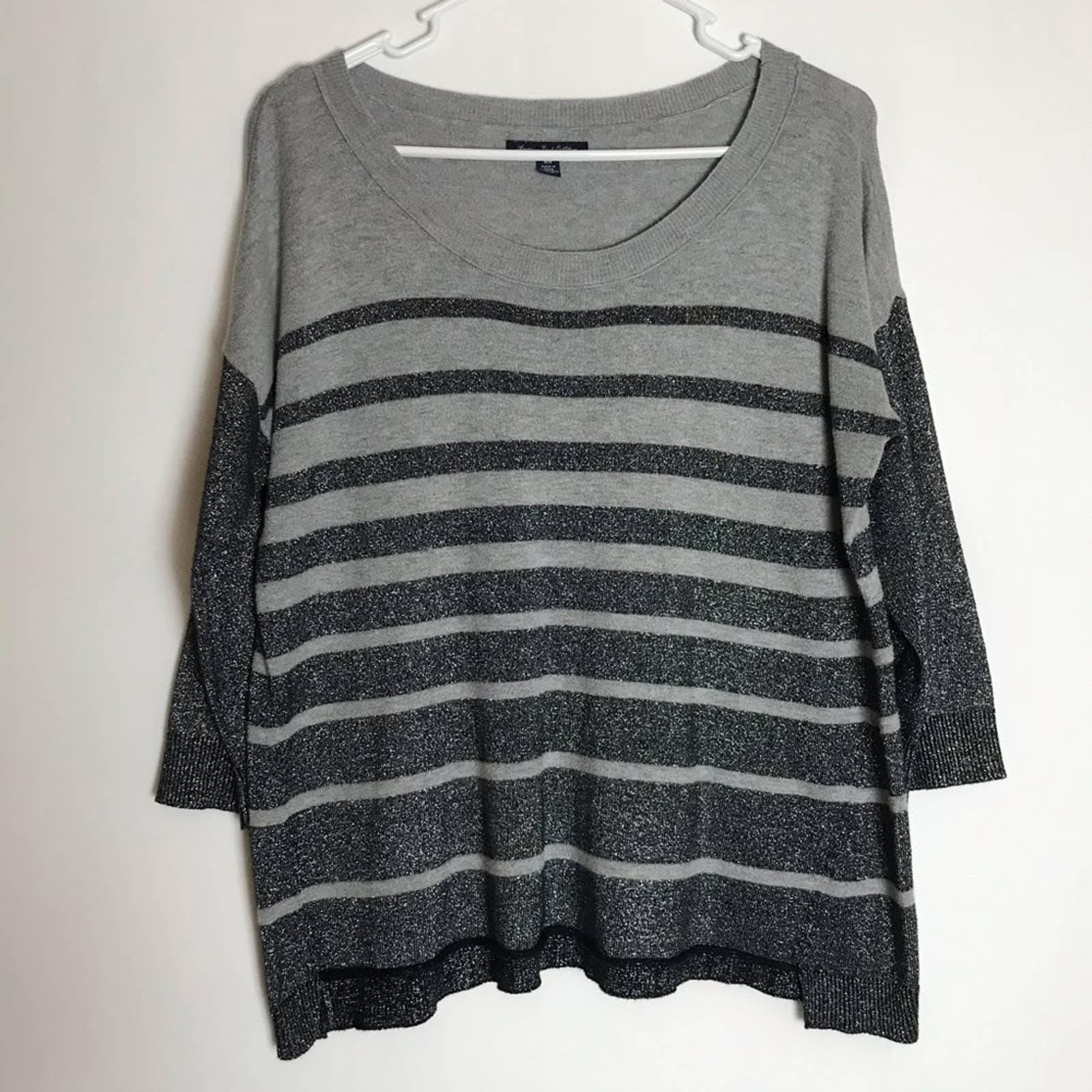 AMERICAN EAGLE Grey and Black Shirt