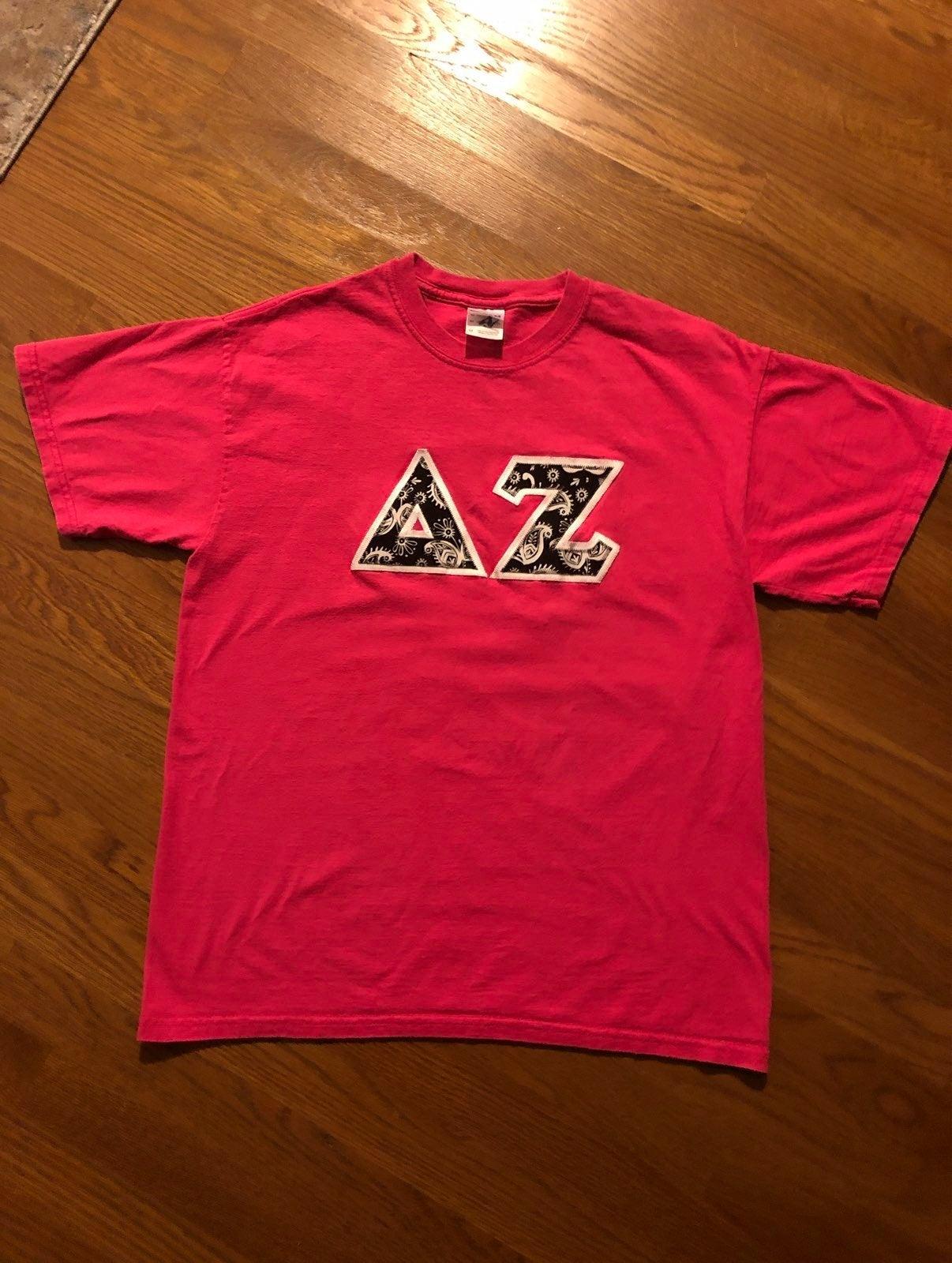 Gildan Delta Zeta Letter T-shirt Size M