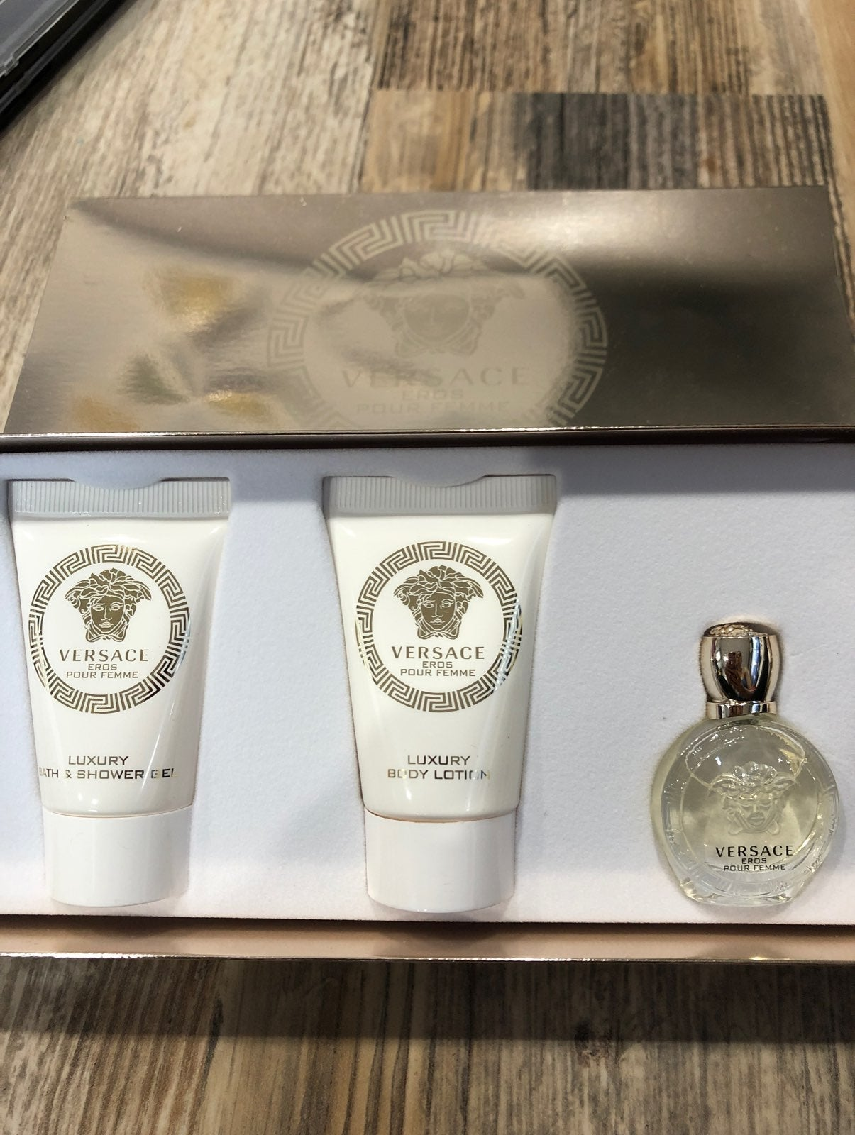 Women's Versace perfume and lotion set