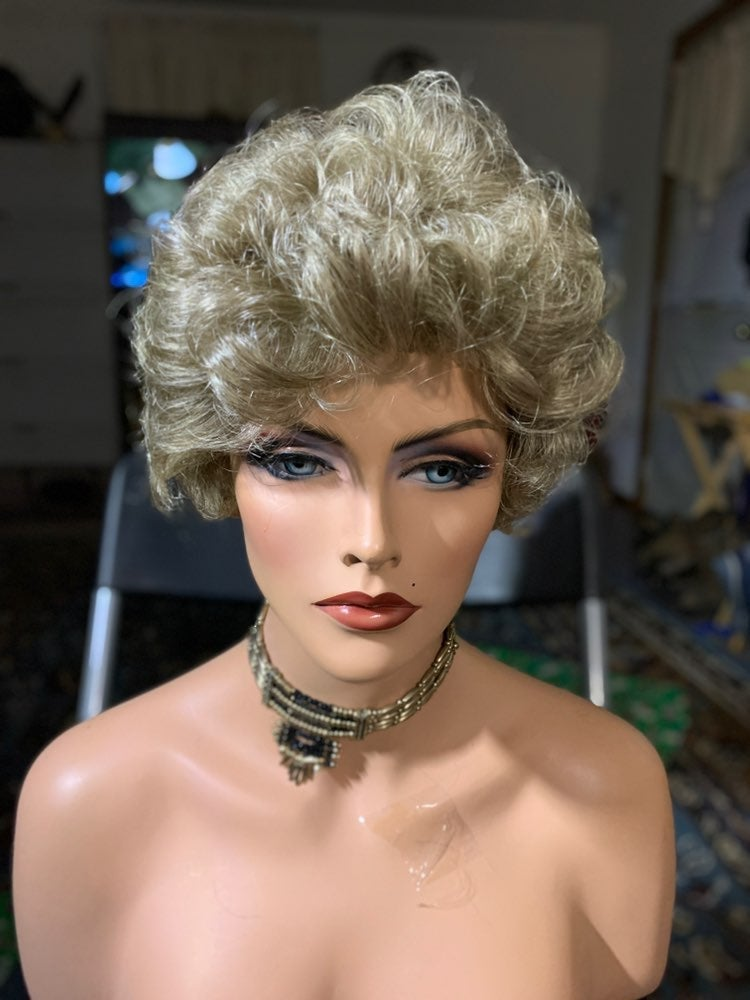 #97 Layered curly ash blond synthetic wi