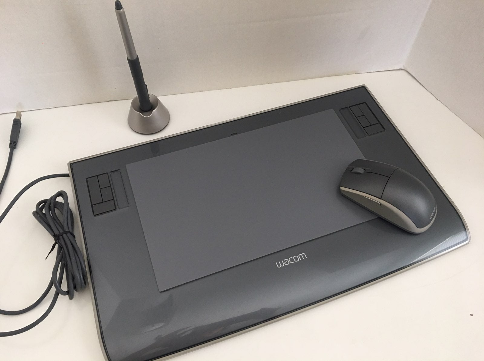 Wacom Intuos 3 Drawing Tablet