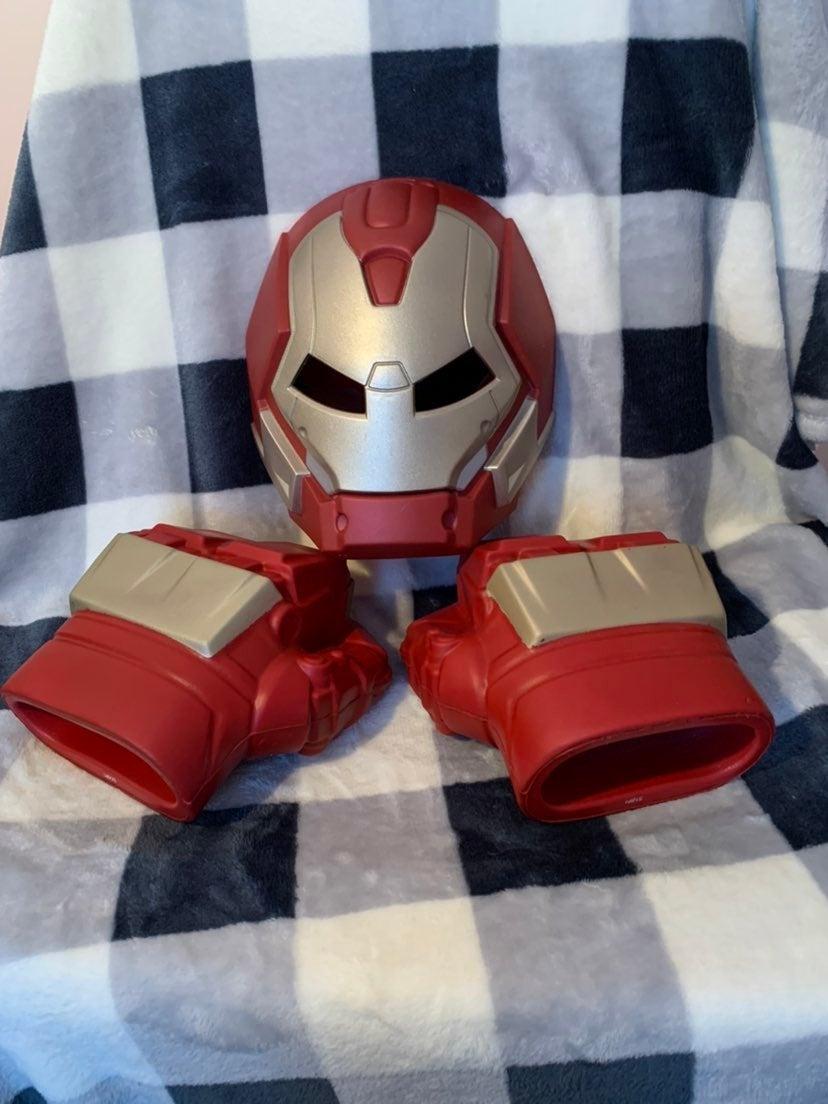 Marvel Hulkbuster Mask & Fists hands