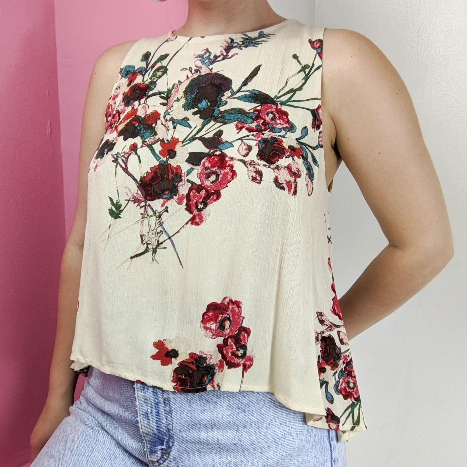 Flowy floral print open back tank top