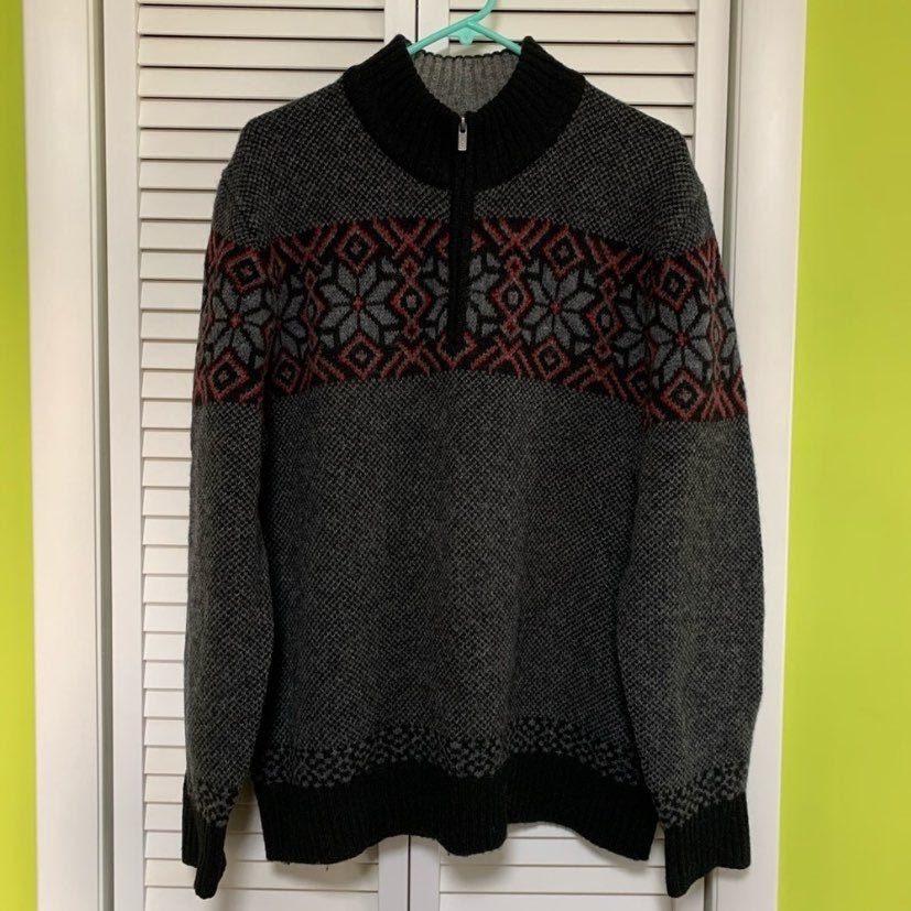 L.L. Bean 100% wool sweater size L