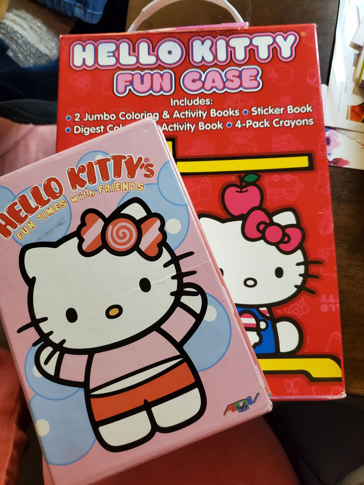 Hello Kitty 4 dvd set with 4 color books