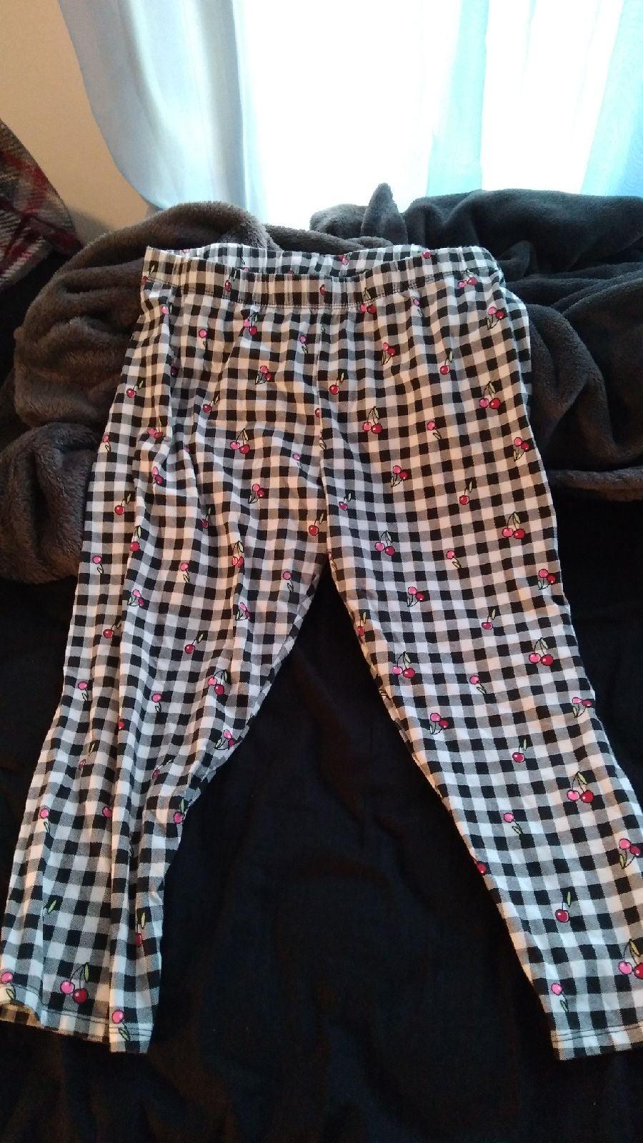 no boundaries checkered cherry leggings