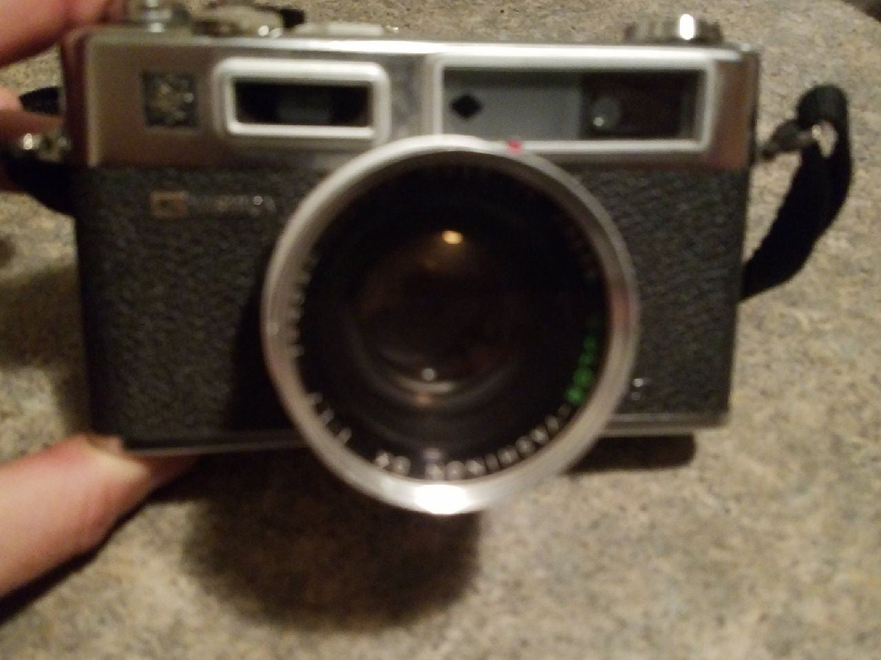 Yashica gs electro 35  35mm camera 1:7 f