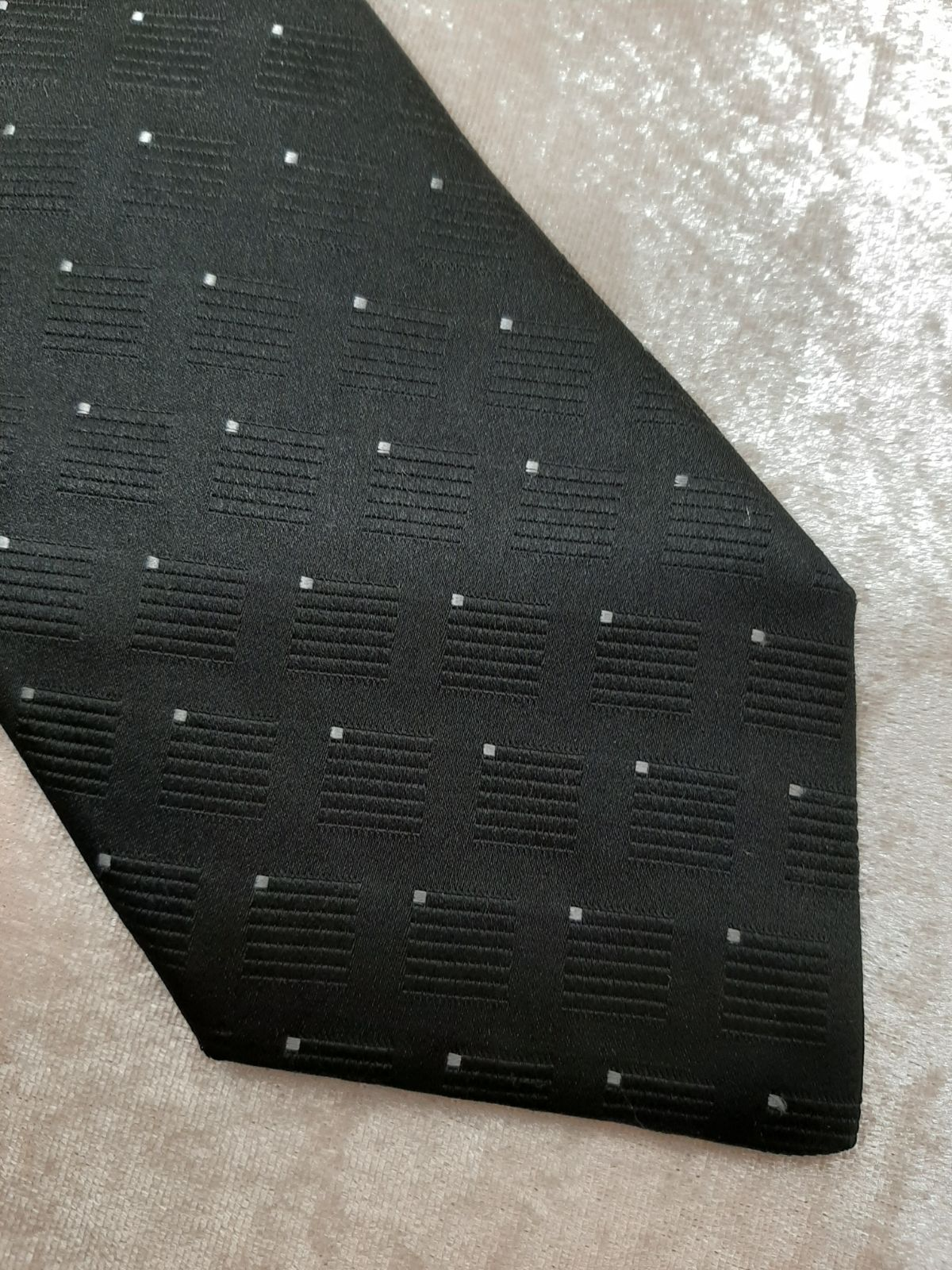 Structure Silk Tie Black Gray