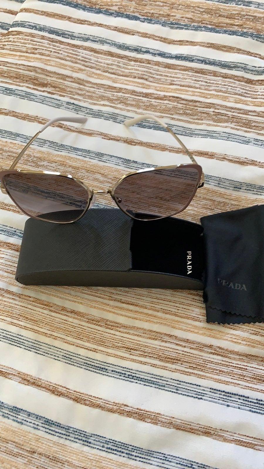 Woman's Prada Sunglasses