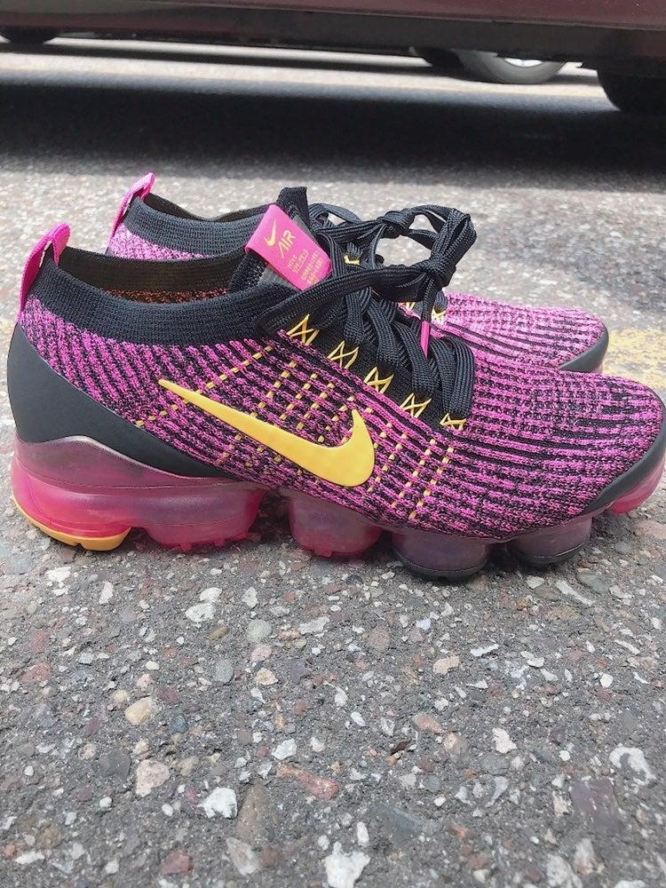 Womens Nike VaporMax