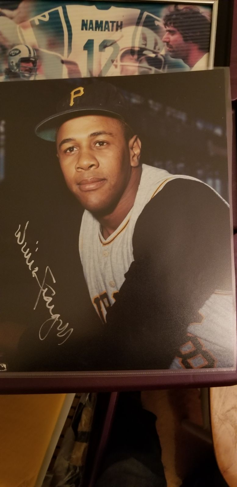 8×10 signed by Willie Stargell