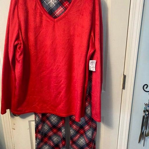 Ladies pajamas NWT