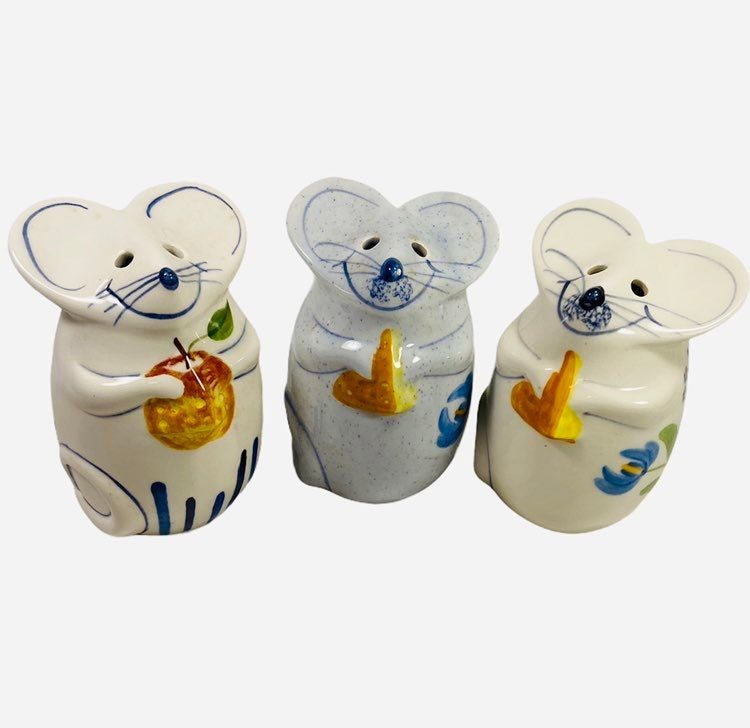 VTG N S Gustin Mouse Cheese Shakers