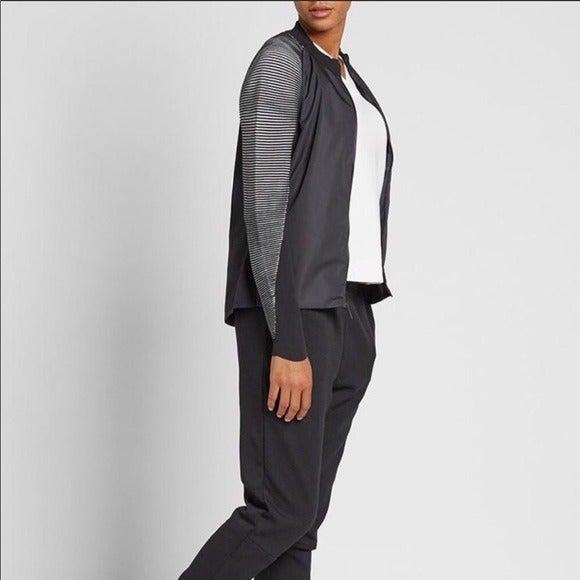 Women's Nike Dynamic Reveal Tech Fleece