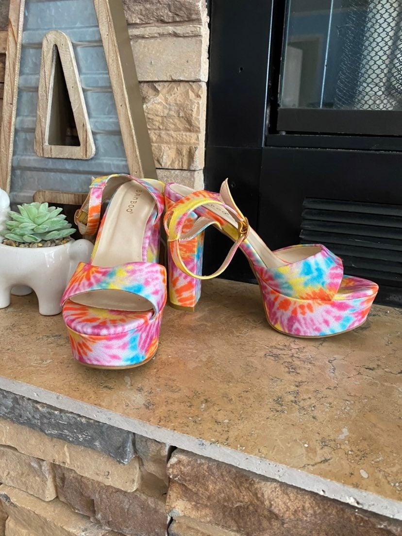 Bamboo tie dye heels