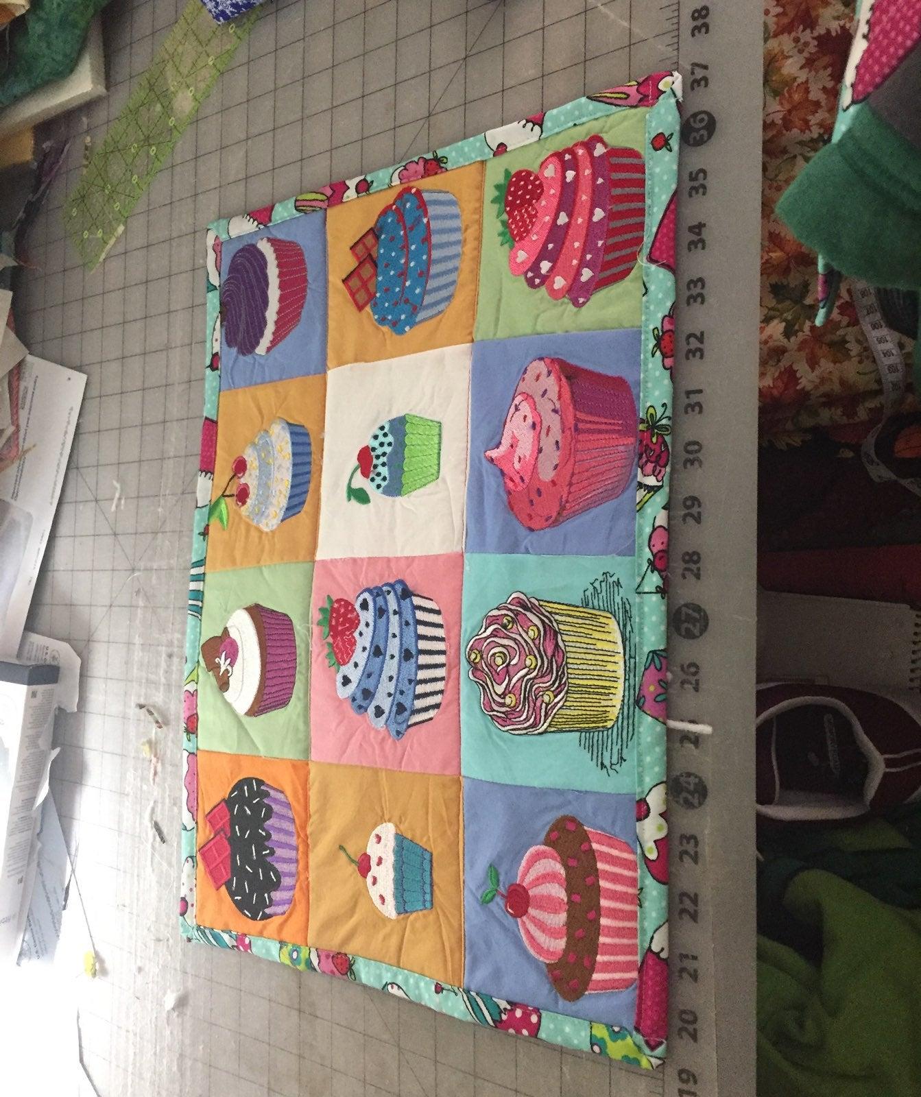 Cupcake placemats