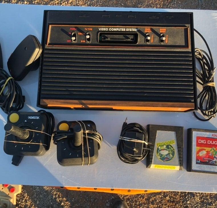 Atari cx 2600 A bundle