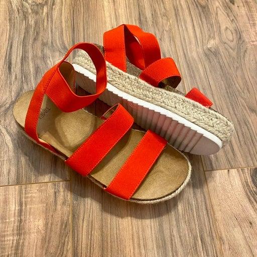 Time and Tru Platform Sandals