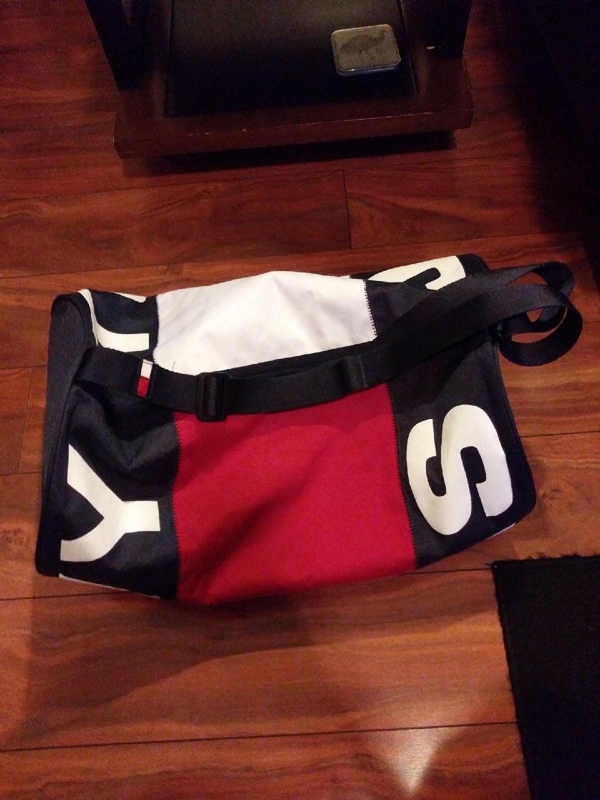 Tommy Hilfiger Duffle Bag (Large)