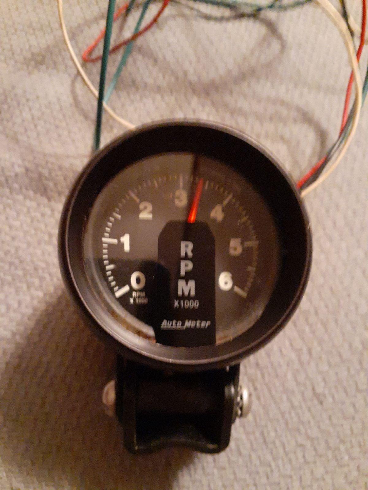 AutoMeter 2 5/8in 0-6000 RPM Tachometer