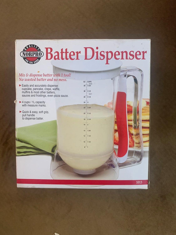 Norpro 4 Cup Plastic Batter Dispenser wi