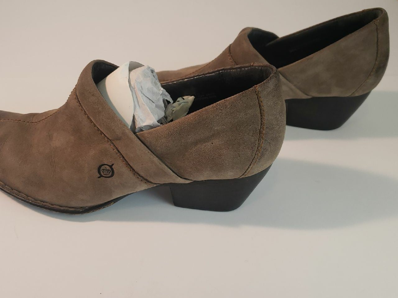 Born shoes size 9 women's boot 2 in heel
