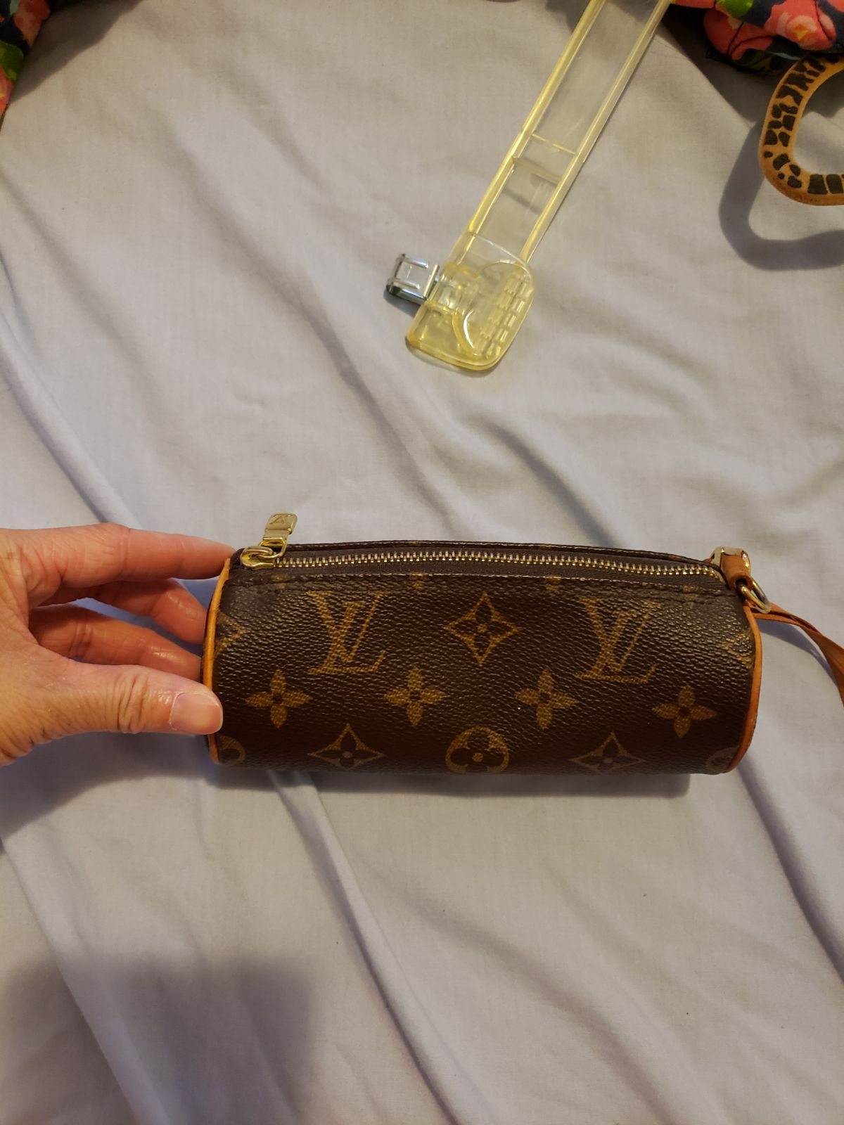 lv pouch