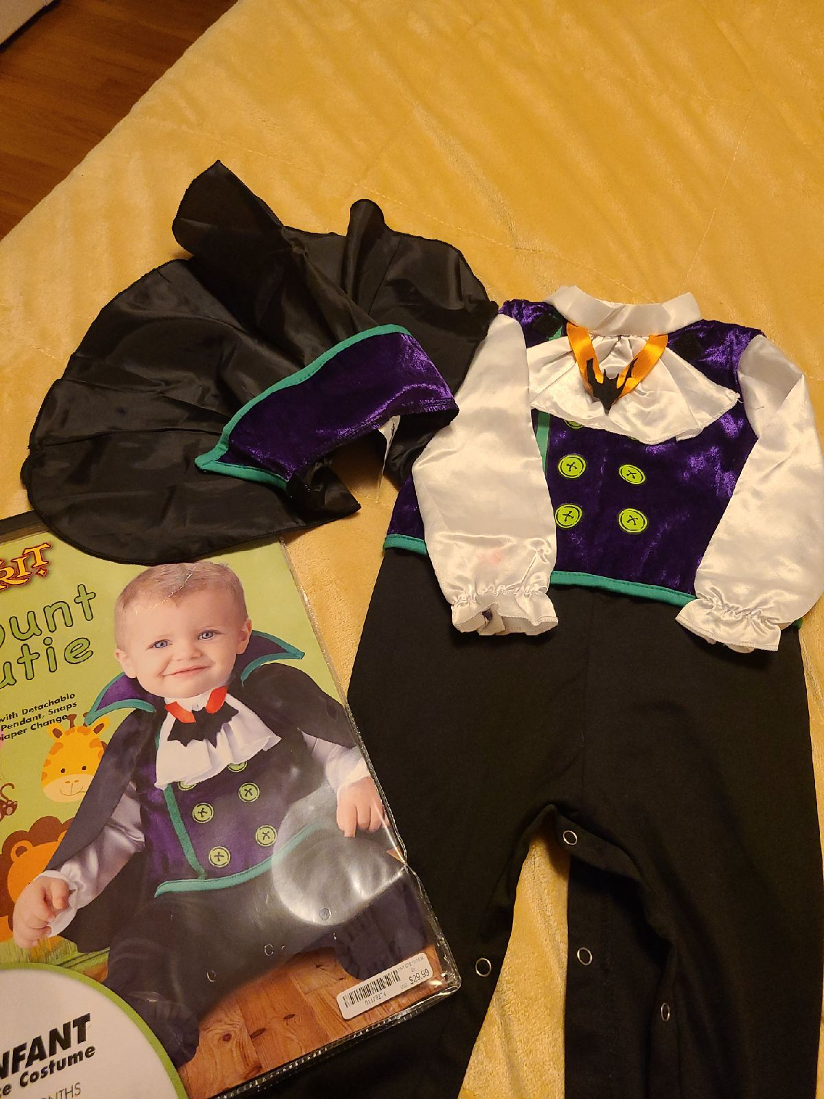Baby vampire costume, size 12 to 18month