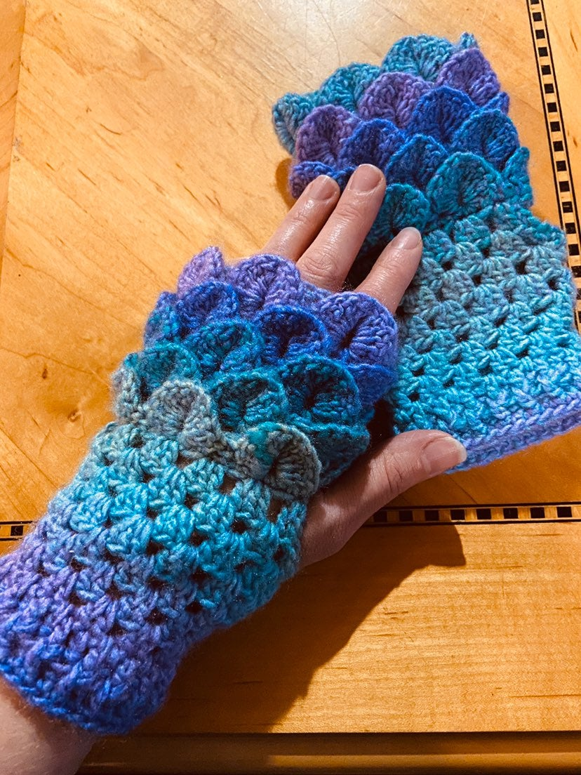 Crocheted Mermaid Scale Fingerless Glove