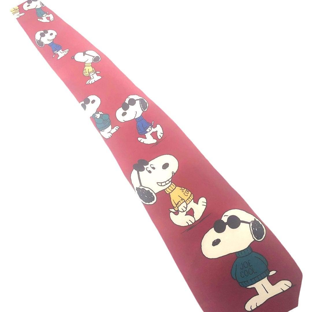 """Peanuts Snoopy """"Joe Cool"""" Men's Necktie"""