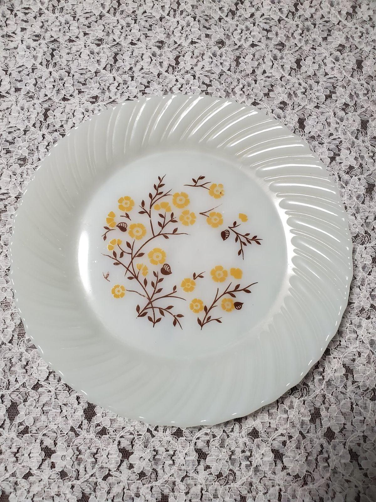 "Wedgwood Dinner Plate 10"""