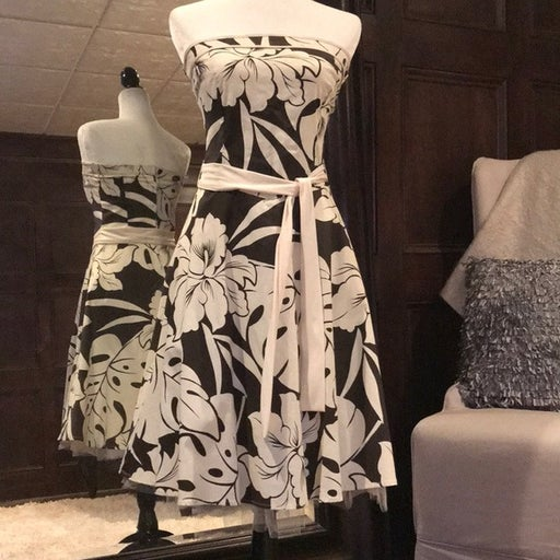 Tropical brown/ivory summer strapless dress, Excellent Condition, small