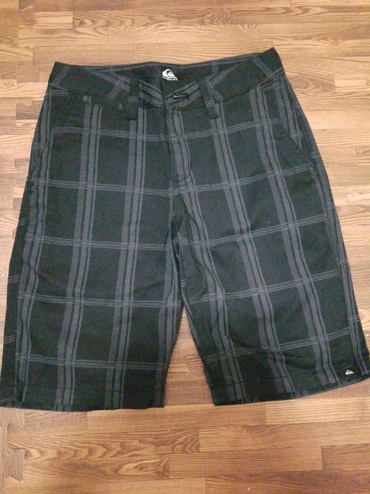 Quicksilver boys shorts size 24
