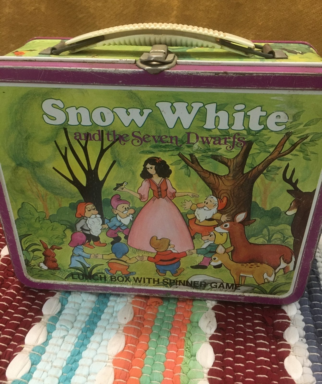Snow White Metal Lunchbox w Spinner Game
