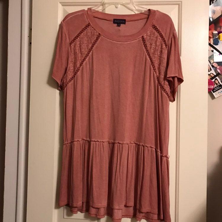 Pink lace shirt size XL