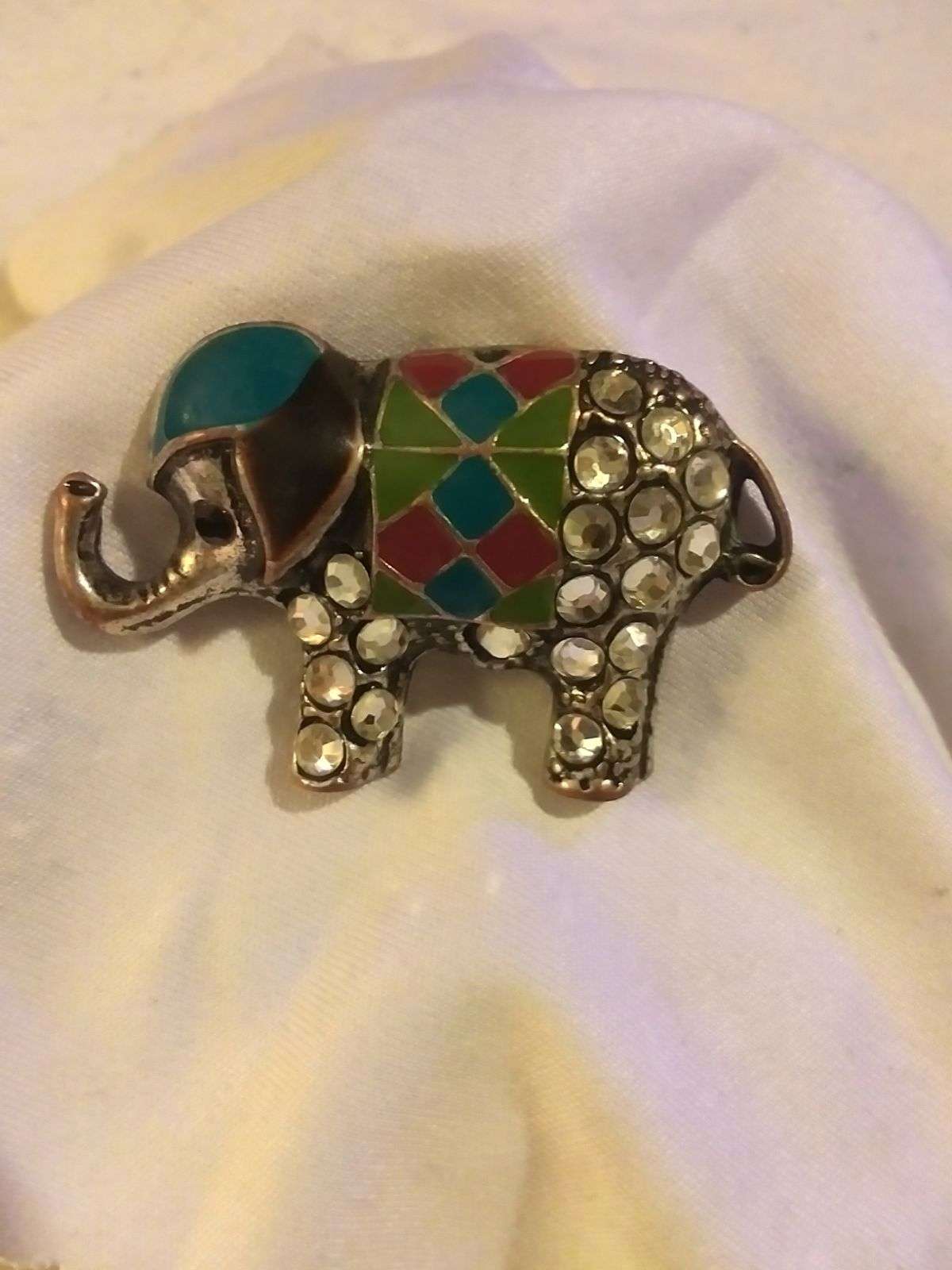 Antique elephant pendant with terquoise