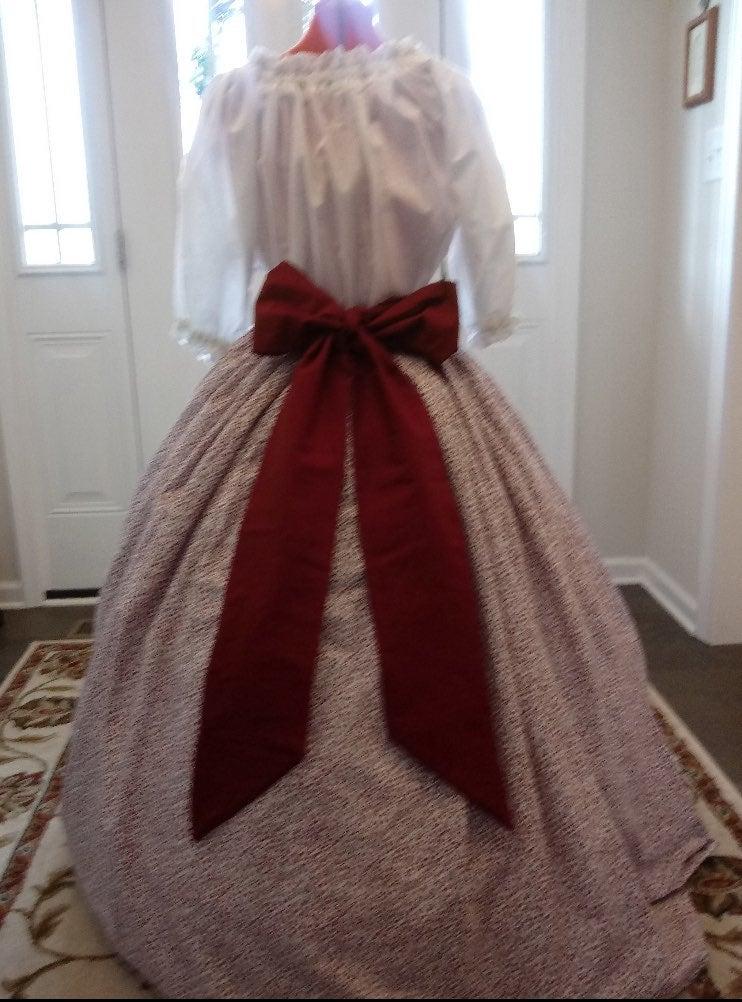 Pioneer Women's floral skirt