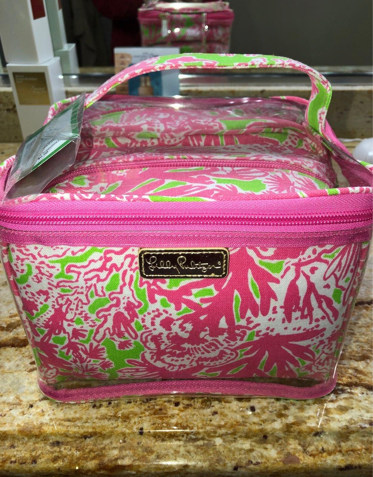 Lilly pulitzer make up bag set NWT