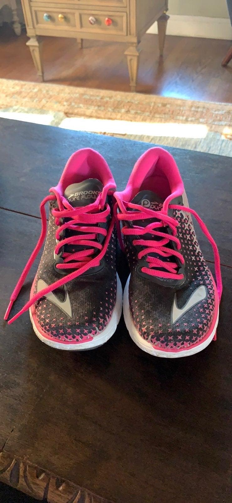 Brooks womens running shoe