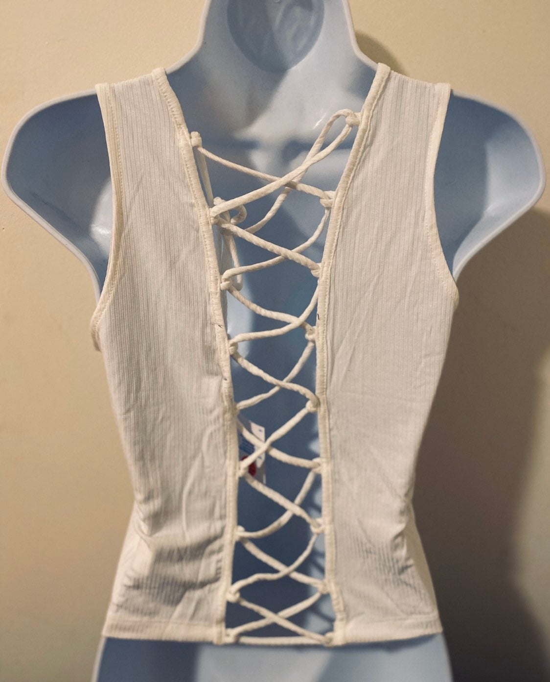 Criss Cross Tank Top Large Fitted Semi C