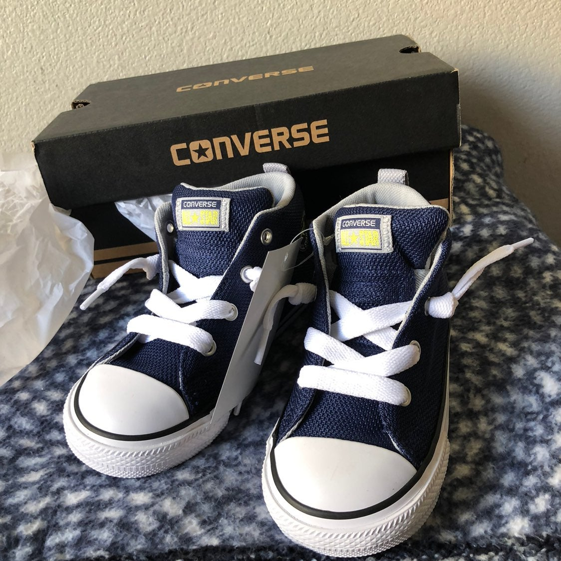 Navy infant toddler converse size 9