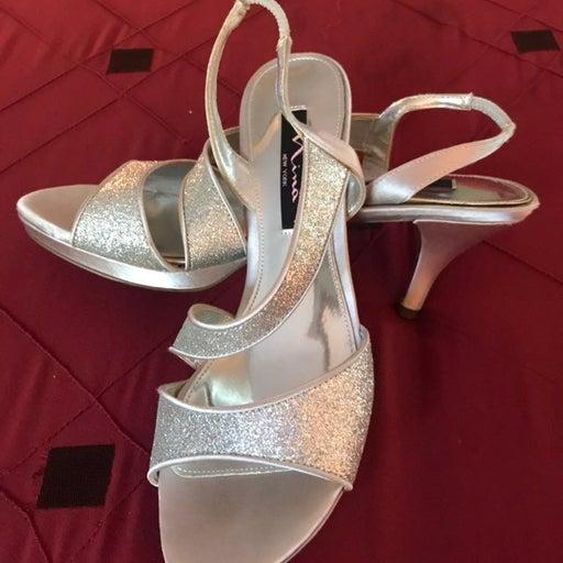 Nina heels size 8 - Silver