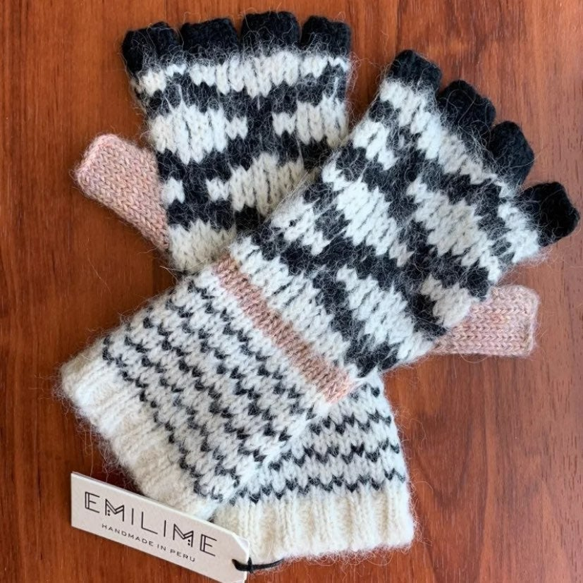 Anthropologie 3/4 Finger Gloves