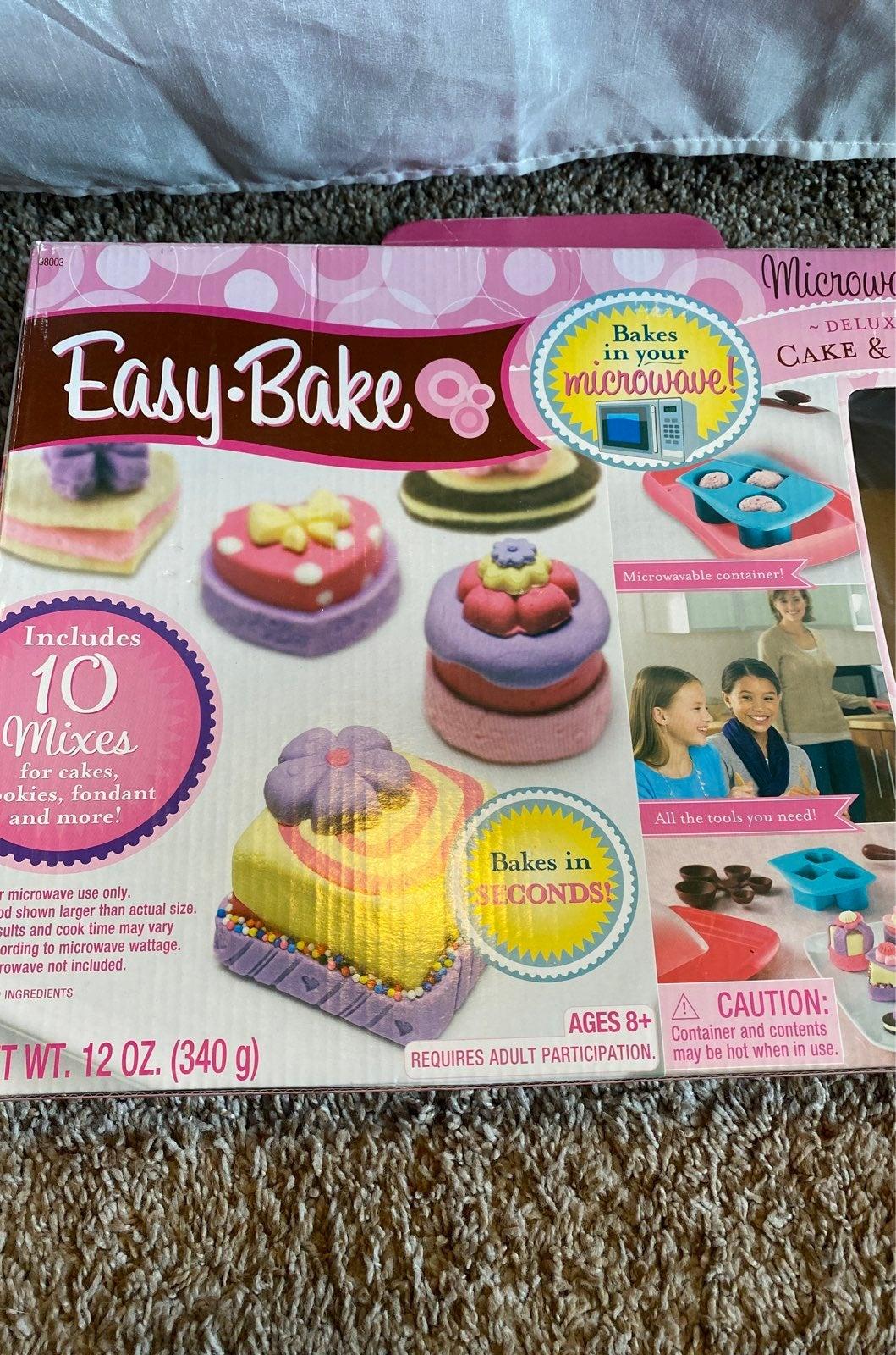 Easy Bake Oven Cake & Cookie Kit