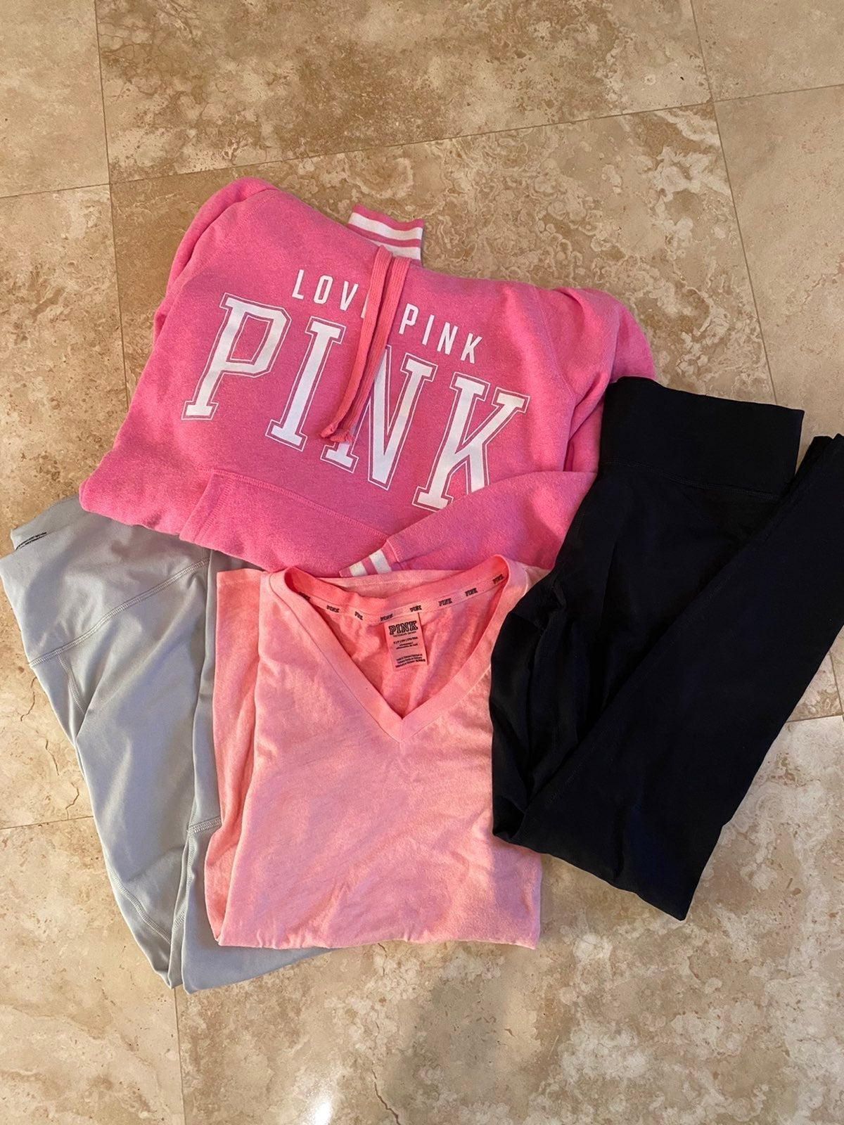 VS PINK Bundle set of 4