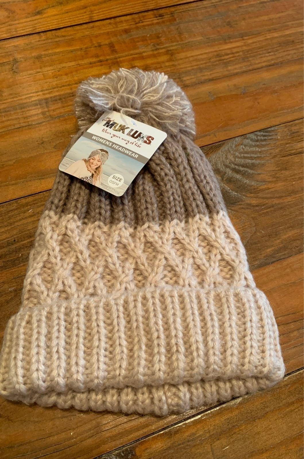 New Muk Luks set beanie and scarf