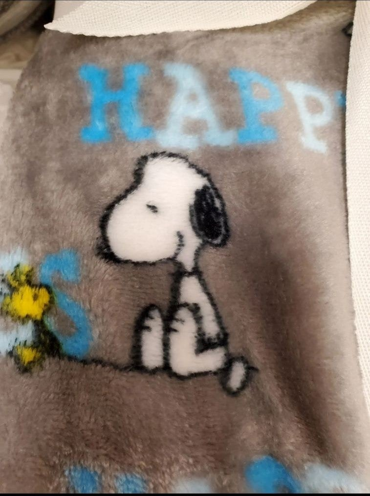 Snoopy plush throw