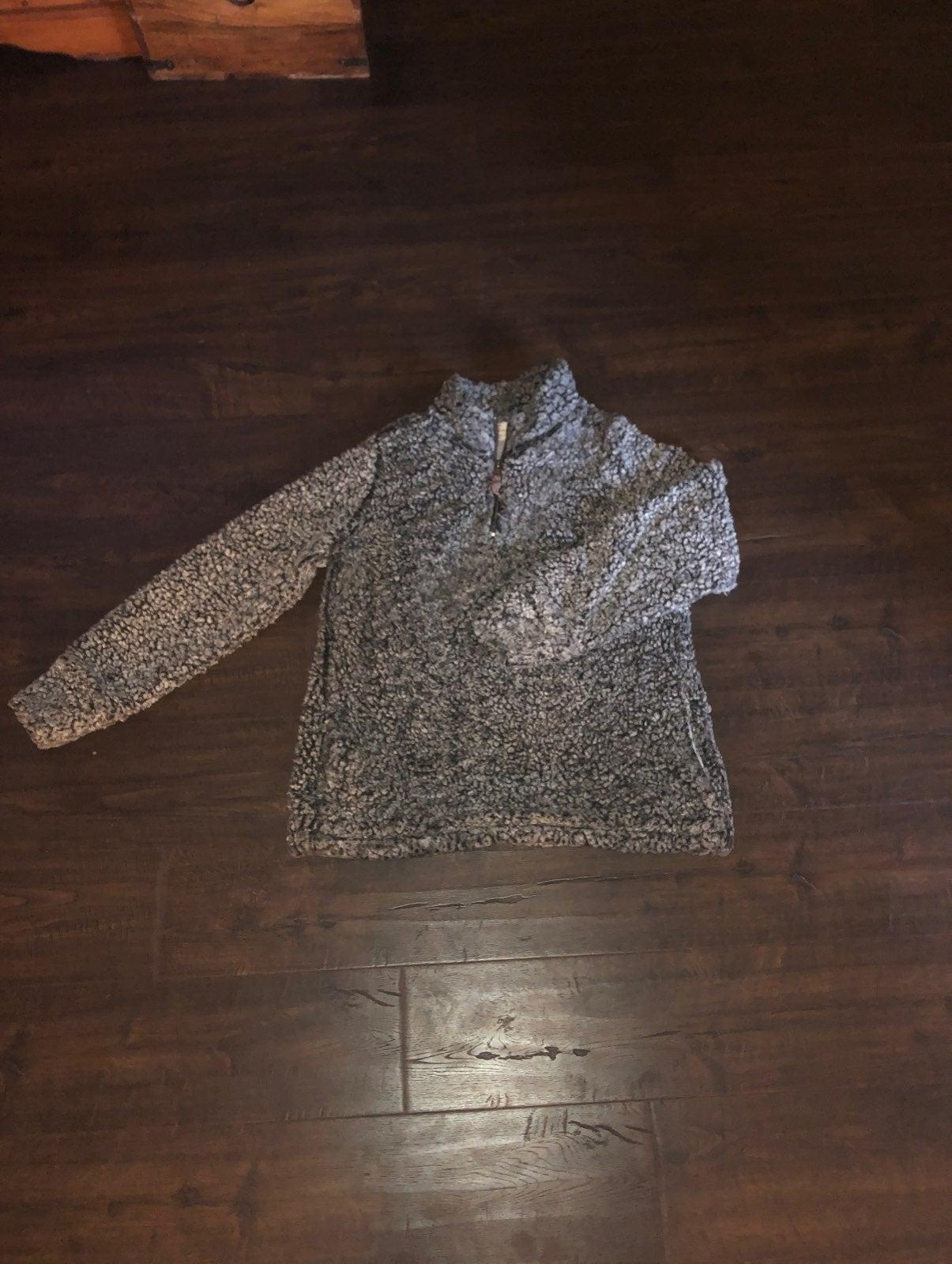 Fuzzy quarter Zip pullover